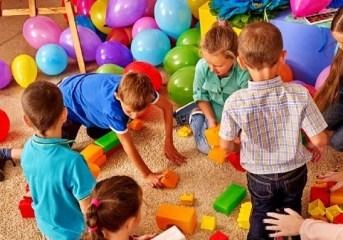 Covid, stop alle attività nelle scuole dell'infanzia.