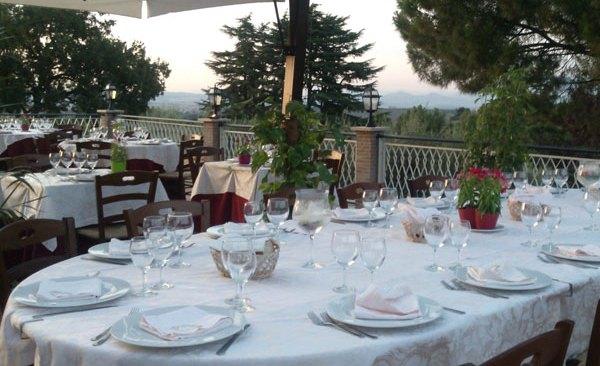 Chiusi a Bacoli due ristoranti: troppi gli invitati e prevenzione Covid non rispettata