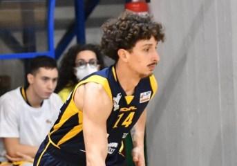 """Basket – La Virtus Pozzuoli affronta la Scandone Avellino, Caresta: """"ognuno di noi dovrà essere la carta vincente per il bene della squadra"""""""