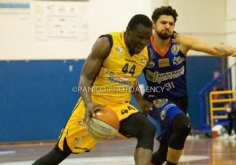 Basket| La Virtus Pozzuoli perde due punti a Reggio Calabria, l'assenza di Gueye è troppo pesante