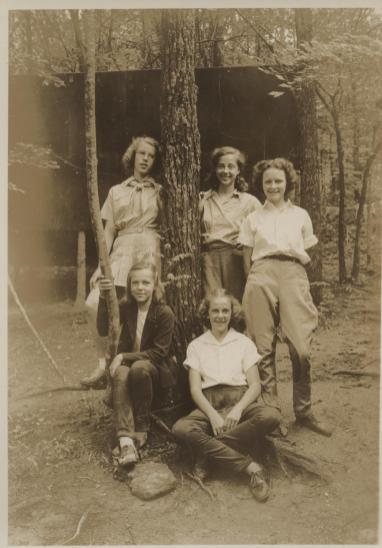 1930s-small-group