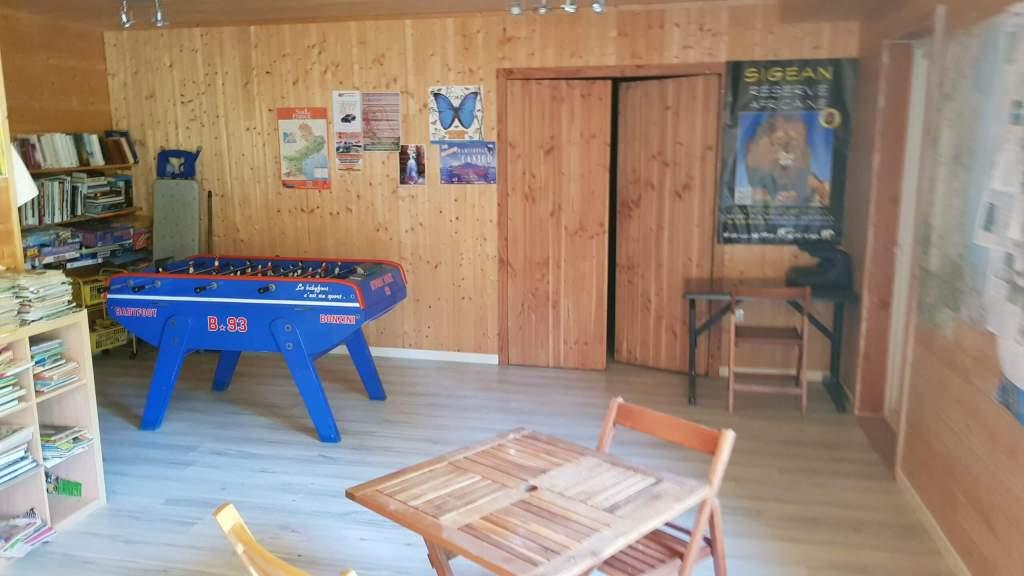 espace_jeu_detente_lecture_camping_les_cerisiers_vernet_les_bains