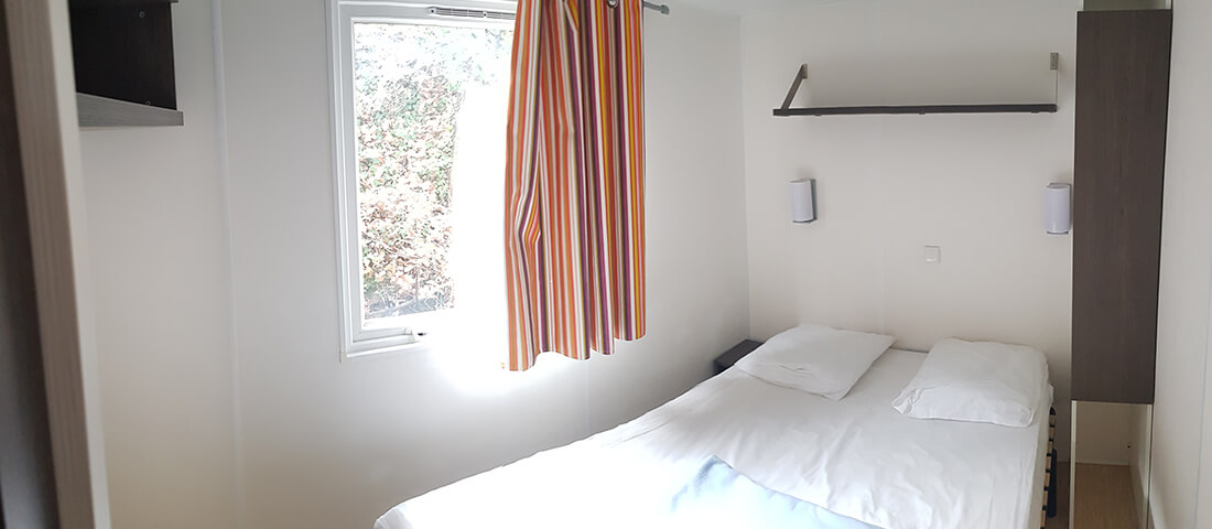 chambre_lit_2_places_mobil_home_cocooning_5_places