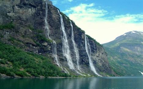 Geirangerfjorden bør oppleves fra enten bobil eller båt