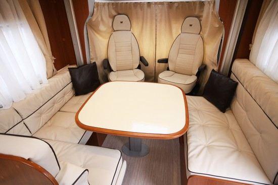 Den nye 2013 modellen fra McLouis har stor sittegruppe