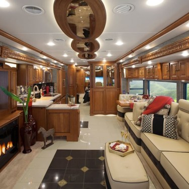 03-Winnebago-Grand-Tour-45RL-les-plus-beaux-interieurs-camping-car