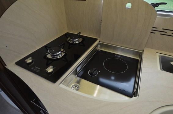 Cuisine-camping-car-Frankia-02