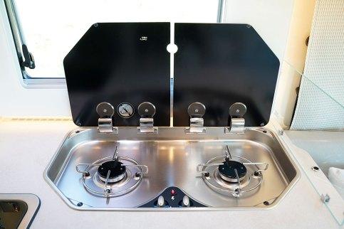 Désormais, chez Rapido, les cuisines s'envisagent avec un réchaud 2 feux. Le réchaud 3 feux reste disponible en option.
