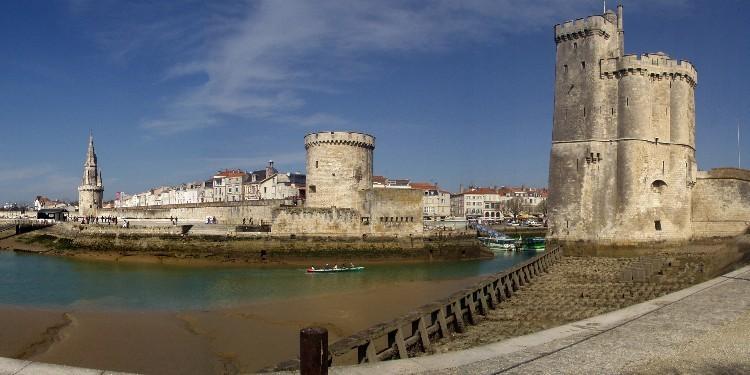 Camping Proche La Rochelle A Visiter Dans Le Poitou