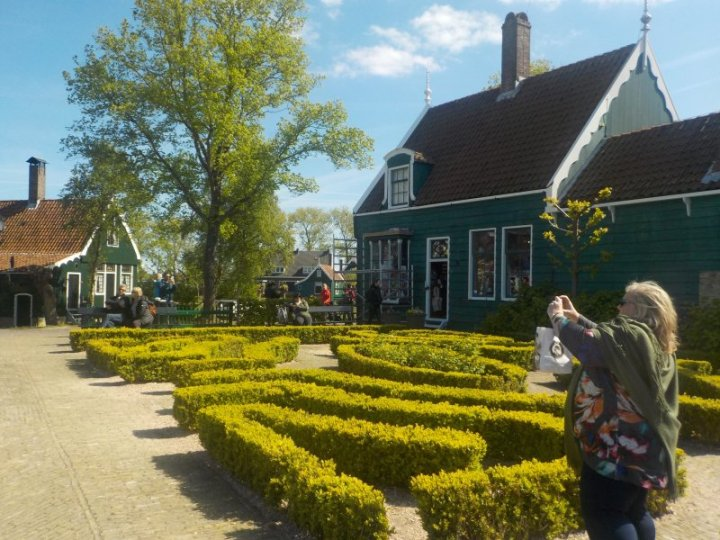 Zaanse Schans gardens