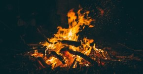 How to Put out a Campfire Safely