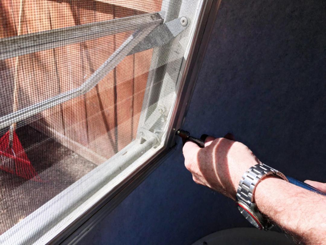 Jalousie Window Operator Installation - Camping Treasures