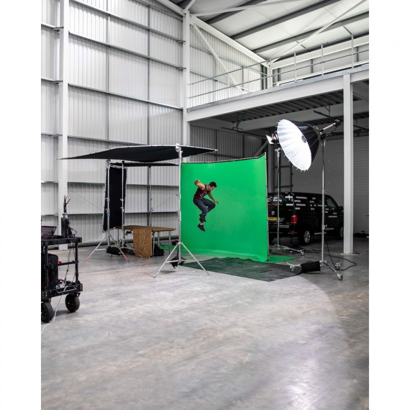 chroma key fx manfrotto 4x2 9m background in action 18 3