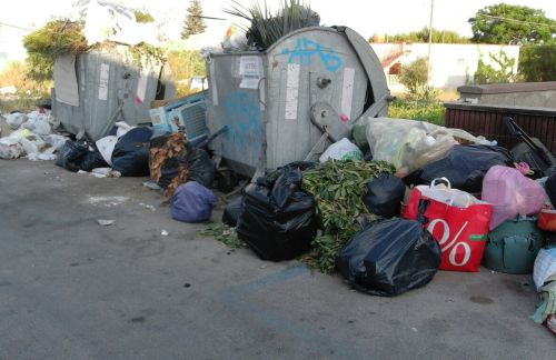 MAZARA. Regione inadempiente e rifiuti per strada. Il Sindaco si rivolge alle Procure della Repubblica di Palermo, Marsala e Trapani [VIDEO]