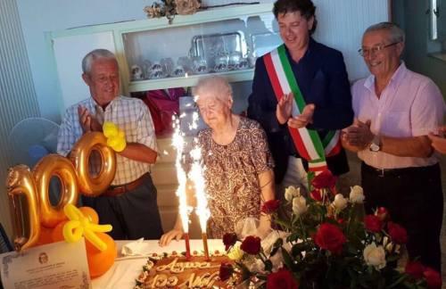 Campobello. Cento candeline per la signora Anna Pantaleo: gli auguri del sindaco alla nuova centenaria