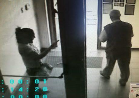 MAZARA. DERUBO' ANZIANO DELLA PENSIONE: ARRESTATA 35ENNE MAZARESE