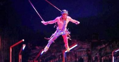 Trapezista del Cirque du Soleil cade e muore