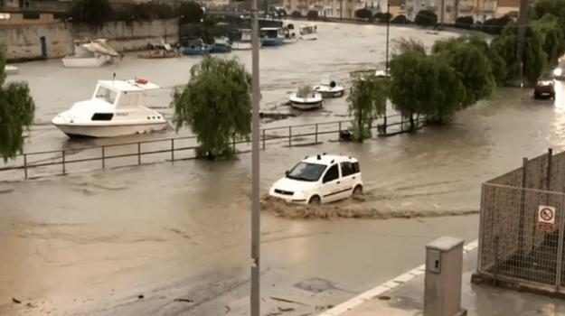 [Video] Mazara. Straripa il fiume Mazaro: città sommersa dall'acqua