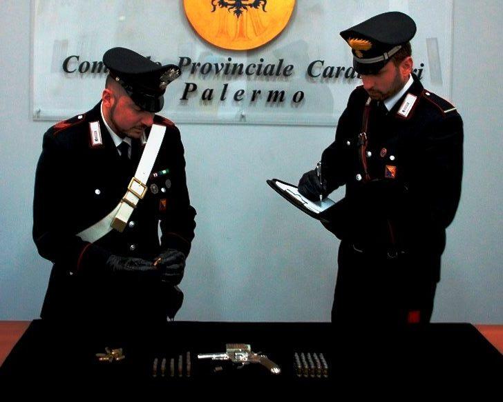 Palermo. Nascondeva pistola e munizioni nell'officina