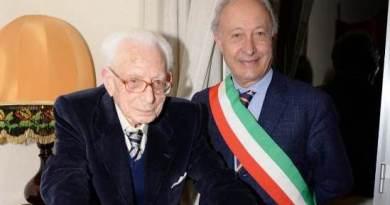 Avere cento anni e non dimostrarli: Questo e' nonno Baldassare Giacalone