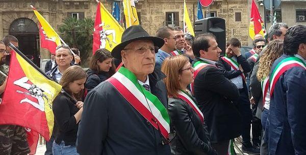 """Campobello. Il vicesindaco partecipa alla """"marcia dei sindaci in difesa dei territori"""""""