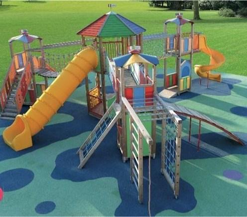 Parco giochi inclusivo immagine di repertorio