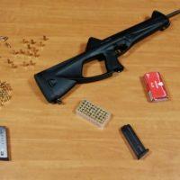 A spasso per la città con pistola, fucile e proiettili: in manette 2 pregiudicati