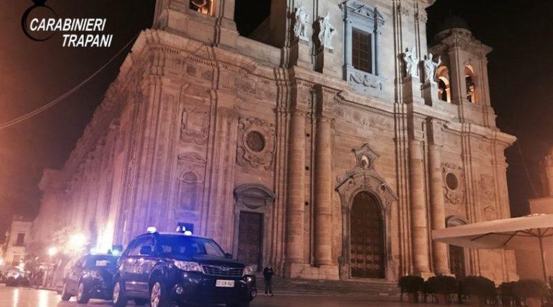 Evade dai domiciliari a Catania e rapina un distributore di carburanti a Strasatti di Marsala: arrestato assieme al presunto complice