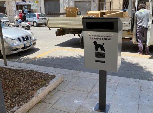 Mazara. Collocati in città cestini per le deiezioni canine