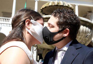 Matrimoni, cade l'obbligo delle mascherine per gli sposi