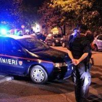 Aggredisce e insulta i carabinieri dopo una lite, in manette 39enne