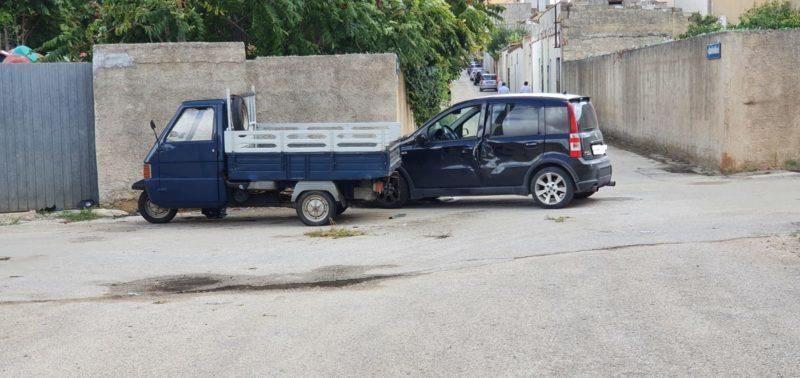 Campobello. Grave incidente nel centro urbano: 2 feriti