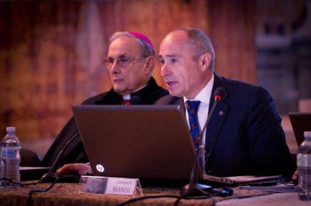 il nuovo componente il cda architetto Gaspare Bianco in foto _archivio con il Vescovo Mogavero
