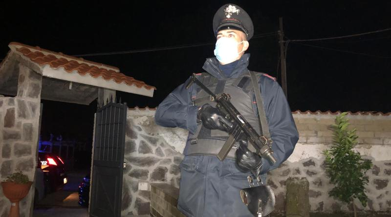 Roma. Sgominata organizzazione malavitosa che gestiva lo spaccio nel quartiere Tor Bella Monaca: 15 arresti tra cui anche 2 donne (Video)