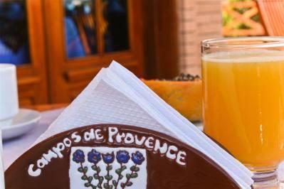 Detalhe Deck - Pousada Campos de Provence