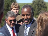 Ben Carson meeting the crowd at DMACC on October 2nd, 2015