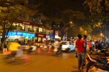 FC-Road-Pune-Shops-Aromas-at-Night