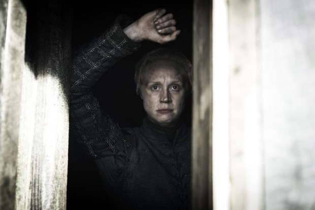 GoT-S5e5-Brienne-in-the-Winterfell