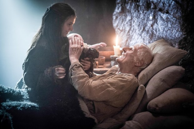 Maester-Aemon-and-his-last-few-minutes-with-Gilly-at-Castle-Black