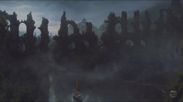 The-Ruins-of-Valyria-in-Smokes-and-black