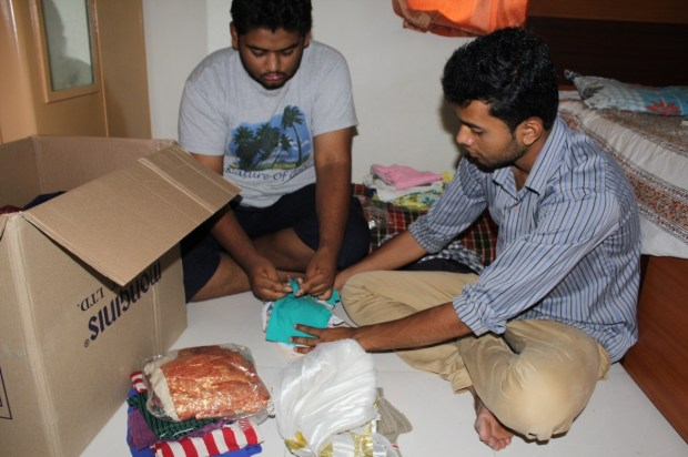 PCCOE-students-help-nepal-victims-with-clothes