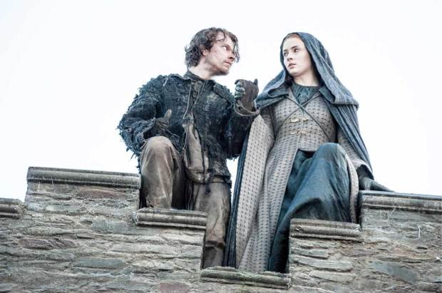 Theon-Reek-helps-Sansa-and-Kills-Myranda