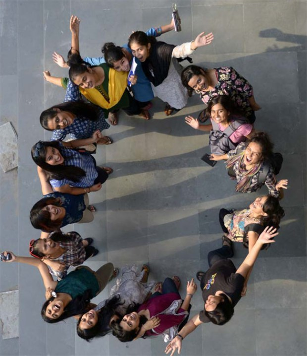Girls-Group-of-Fergusson-College-Pune