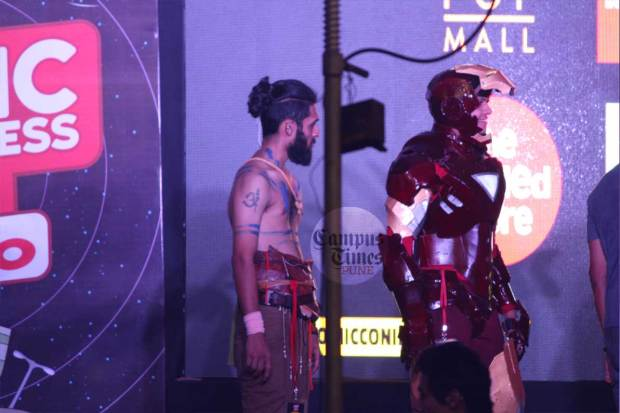 Iron-Man-in-Comic-Con-Pune-2016