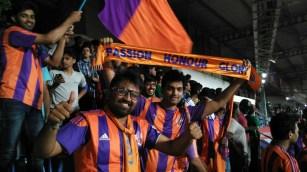 fc pune city orange army fans indian super league people of pune