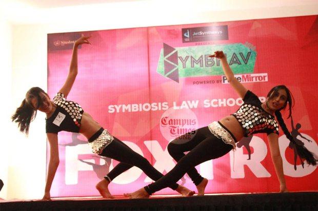 Dance-in-Symbhav-2016-Symbiosis-Law-School-College-Fest