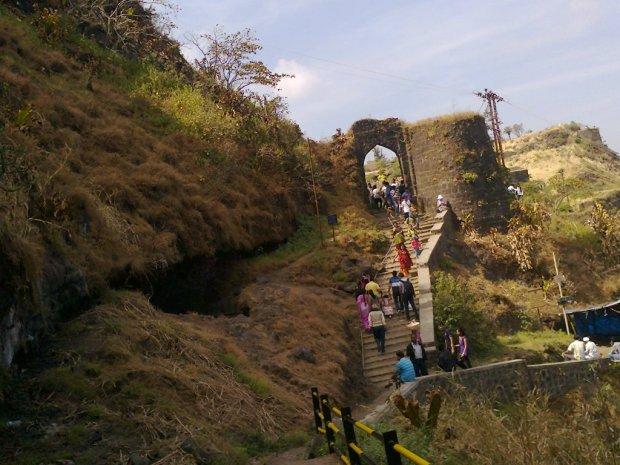 Sinhagad-trekking-in-pune