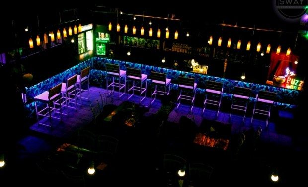 sway bar and kitchen mundhwa pune places to hangout