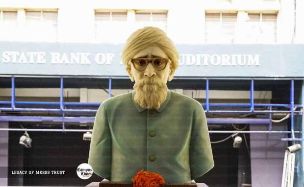 Maharshi-Karve-Statue-Cummins-College-of-Engineering-Pune-Campus