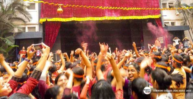 CUMMINS-college-dahi-handi-matki-pune-college-events-5